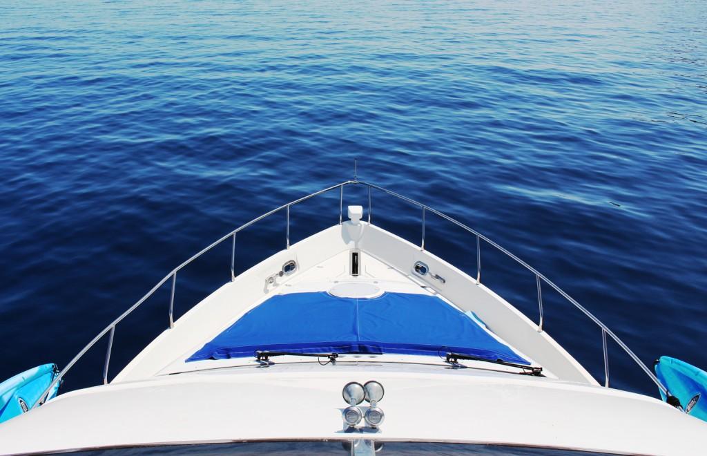 Catalina-Bow-at-Sea
